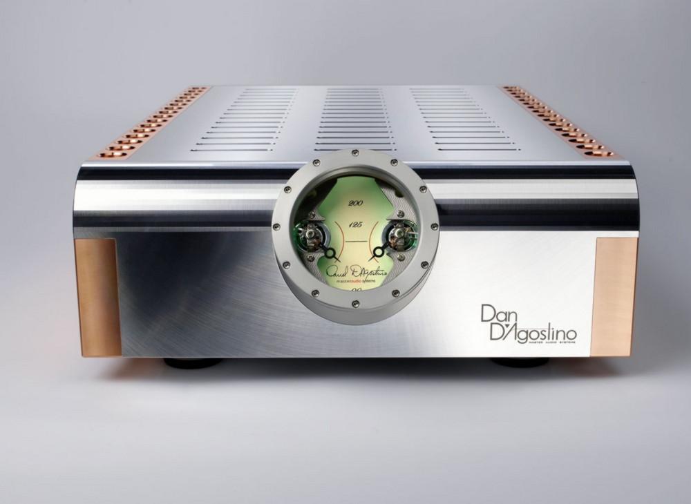 Dan-DAgostino-MOMENTUM-S250-sztereo-vegerosito-front-2